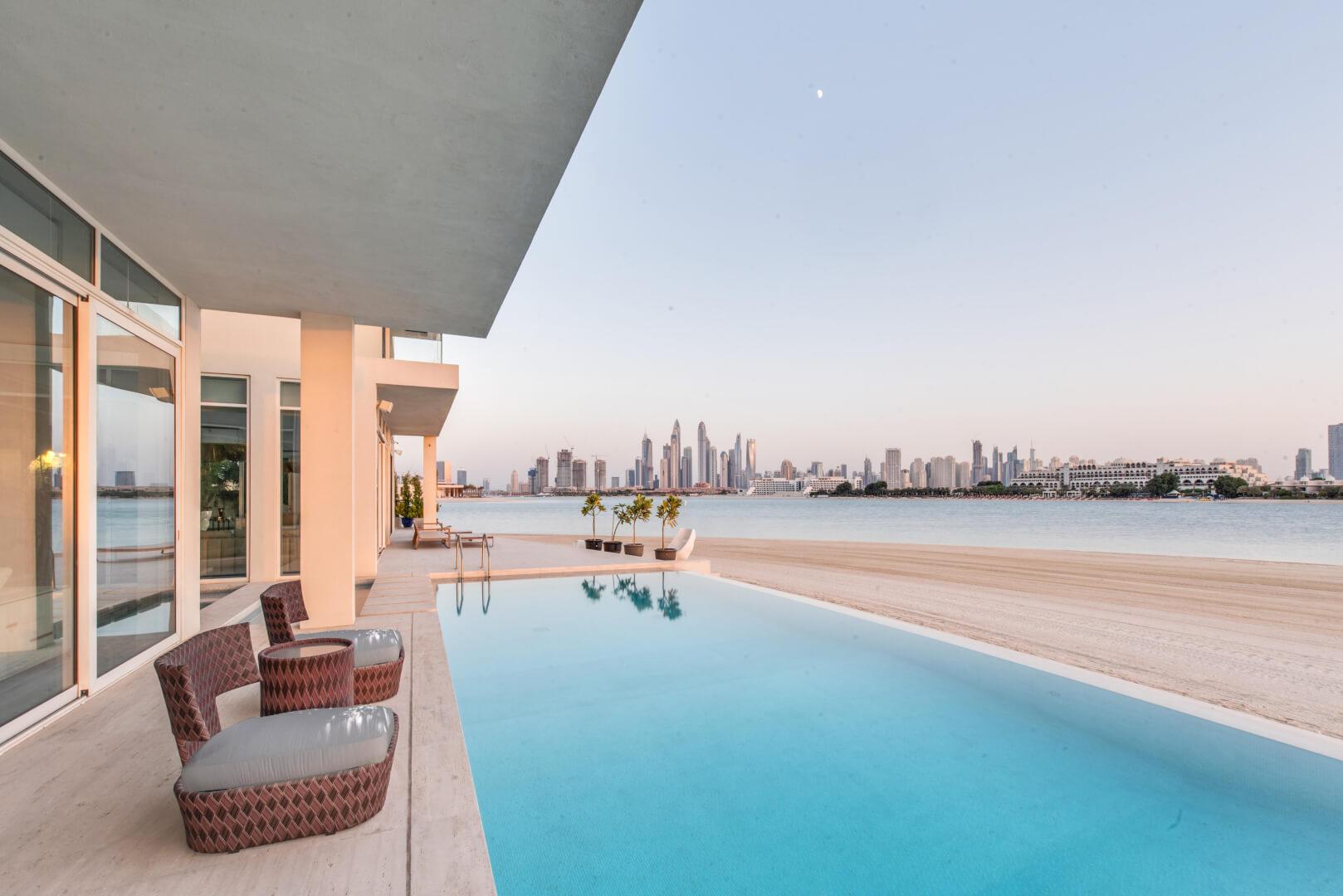 Luxury Villa and blue sea
