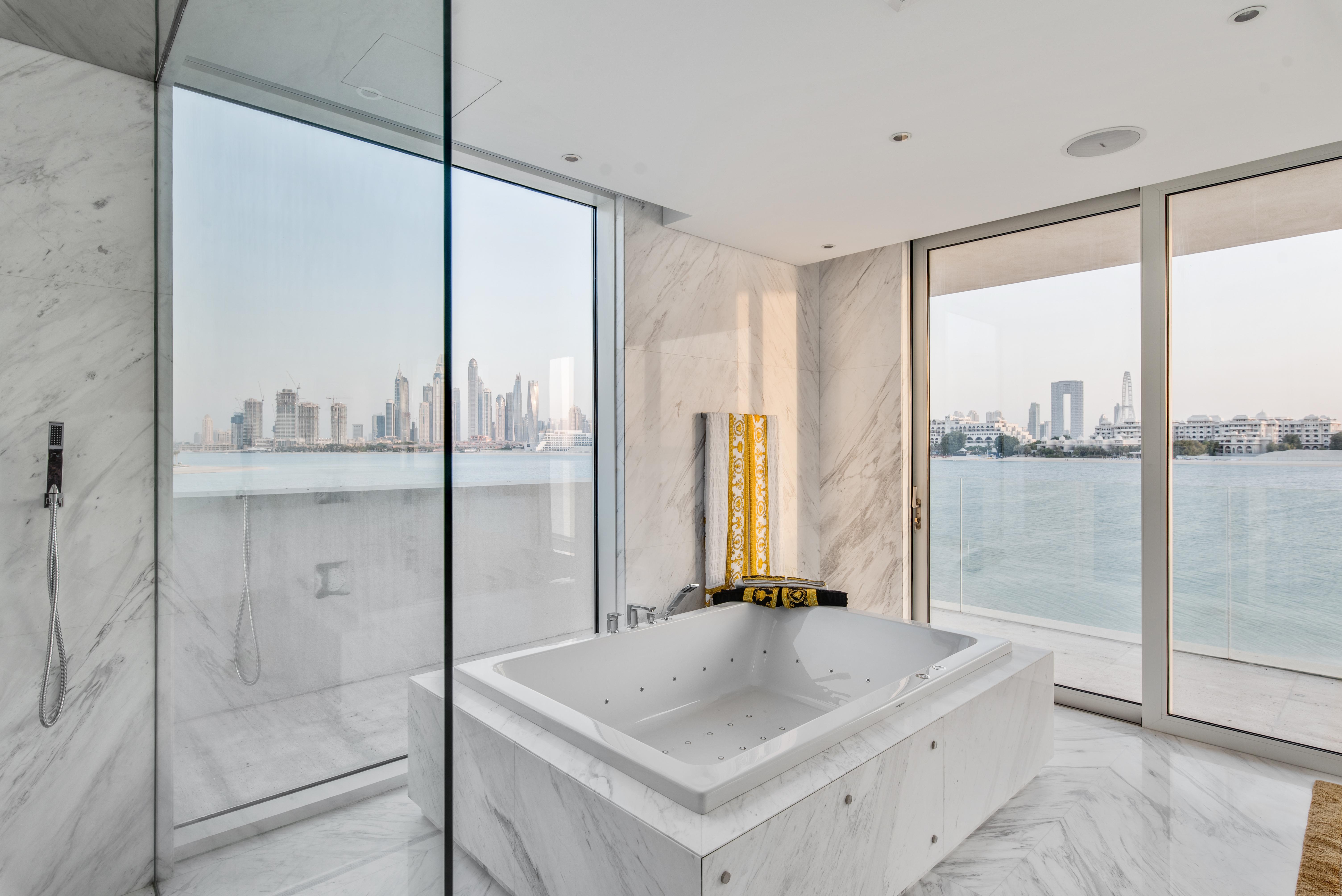 Bathroom with view Dubai